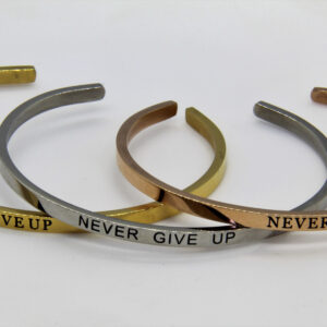 Armband – Never give up